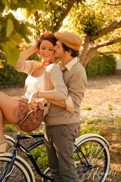 vintage engagement photo bicycle.... This is perfect for what my best friend lauren is into the vintage style