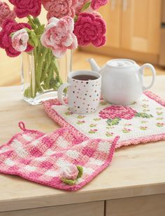 Crochet Rose Potholder & Dishcloth free pattern. ༺✿ƬⱤღ https://www.pinterest.com/teretegui/✿༻