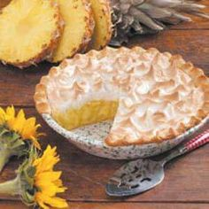 Meringue Pie Pineapple Meringue Pie Recipe (I've been baking this since VERY good!)Pineapple Meringue Pie Recipe (I've been baking this since VERY good! Just Desserts, Delicious Desserts, Yummy Food, Italian Desserts, Delicious Dishes, Pie Dessert, Dessert Recipes, Frosting Recipes, Buttercream Frosting