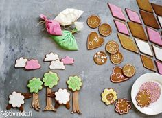 Piparkakkujen koristelu | Kotivinkki Food Styling, Gingerbread, Sugar, Cookies, Fun, Christmas, Recipes, Crack Crackers, Xmas