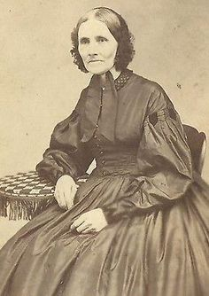 CDV PHOTO ELDERLY WOMAN SEATED IN LARGE HOOP DRESS CIVIL WAR ERA COOPERSTOWN NY