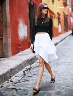9 Amazing Black-And-White Outfits to Inspire Your Weekend via @WhoWhatWear