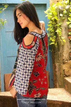 Batik Amarillis's painter's blouse 2-revamped More comfy, sweet, unique & romantic blouse with slit sleeve.