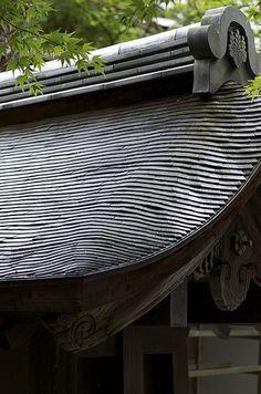 https://flic.kr/p/6C8V7h | Shingle roof at Ryoan-ji Garden, Kyoto
