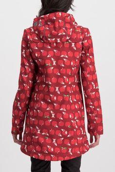 Ganz neu: Der klassische winddichte Softshell-Mantel von blutsgeschwister mit stylischem Apfelprint.   Eigenschaften:  Wind- und wasserabweisend   Wassersäule 8000 mm   Verstellbare Kapuze mit Kordel   Verstellbare Ärmel   Innen mit... Softshell Mantel, Red Leather, Leather Jacket, Outfits, Fashion, Blue Roses, Red Apple, Pink Ladies, Ladies Raincoats