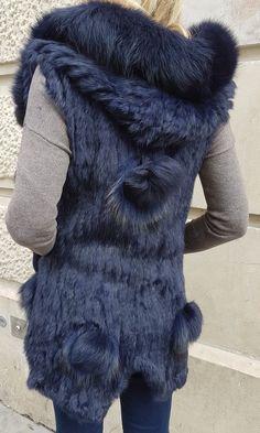 c85ab2178fed gilet capuche fourrure sans manche pompons fourrure amovible boutique  CpourL.fr