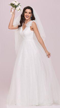 White Beach Wedding Dresses, Beautiful Bridesmaid Dresses, Tulle Wedding, Wedding Dress Styles, Wedding Party Dresses, Beautiful Gowns, Bridal Dresses, Maxi Dresses, Wedding Cakes