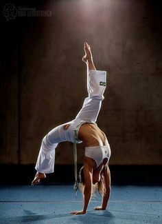 Capoeira is listed (or ranked) 69 on the list Female Sports with the Hottest Athletes Dojo, Mma, Marshal Arts, Karate Girl, Martial Arts Women, Anatomy Poses, Dynamic Poses, Warrior Girl, Action Poses
