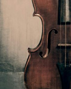 Black Friday Sale Vintage Violin Portrait Fine Art Photography Musical Instrument Music Photo Print Classical Music Room Decor Music Lover G Violin Photography, Vintage Photography, Fine Art Photography, Musician Photography, Violin Art, Violin Music, Violin Painting, Piano Art, Gift For Music Lover