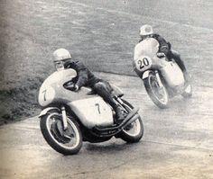 Mike Hailwood , Giagomo Agostini GP d'Allemagne 1965 !