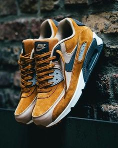 Fette Schuhe, Sneakers, Stiefel und Boots Nike Air Max 90 PRM Desert Ochre Why Fuss Over Wedding Cen Best Sneakers, Sneakers Fashion, Fashion Shoes, Sneakers Nike, Sneakers Style, Sneakers Workout, Cheap Fashion, Fashion Men, Nike Fashion