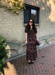 If I had to pick one print that I wear the most year round, I would have to say it is a stalemate between florals and stripes. Pick One, Floral Maxi Dress, Outfit Posts, Smocking, Florals, Going Out, Night Out, Cool Outfits, Lisa