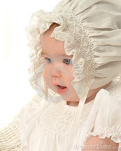 I love baby bonnets!..Sweet old-fashioned bonnet baby pic!