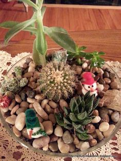 30 Second Mom - Linda Klonsky: Decorate What's Already Out to Avoid Holiday Clutter at Home