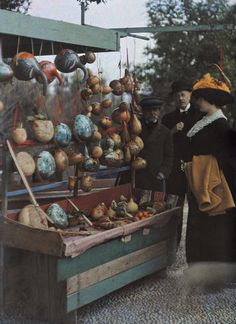 -France, souvenir shop, autochrome, 1910's