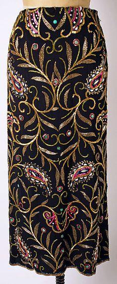 Evening dress - Evening dress Designer: Travis Banton (American, 1894–1958) Date: 1945–50 Culture: American Medium: [no medium available] Dimensions: [no dimensions available] Credit Line: Gift of Lilly Daché, 1974