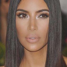 Kim Kardashian Is Releasing Contour Kits - Kim Kardashian Teases KKW Beauty Line