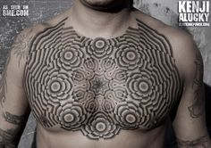 Nazareno Tubaro, el tatuador geométrico