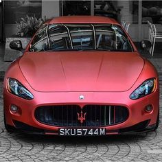 Luxury Cars : Maserati GT Otomobil ve Motorsiklet Fanatikleri sayfamıza bekliyoruz www. Luxury Sports Cars, New Sports Cars, Maserati Granturismo, Bugatti Cars, Ferrari, Rolls Royce, Car Best, Maserati Gt, Porsche Carrera