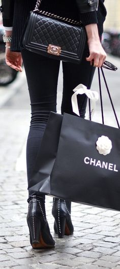 Best feeling in the world to walk out of Chanel with this shopping bag! lol