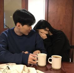 Uploaded by Find images and videos about couple, ulzzang and love on We Heart It - the app to get lost in what you love. Couple Aesthetic, Korean Aesthetic, Ulzzang Couple, Ulzzang Girl, Cute Korean, Korean Girl, Ullzang Boys, Parejas Goals Tumblr, Couple Goals Cuddling