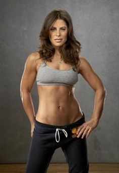 Jillian Michaels Ripped in 30    http://www.amazon.com/gp/product/B004CRR9IS/ref=as_li_ss_il?ie=UTF8=1789=390957=B004CRR9IS=as2=beshombasbu01-20