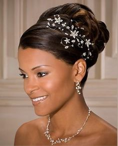 PEINADOS CON ACCESORIOS DE PELO PARA NOVIAS | peinados de moda, peinados de novia