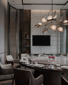 CCD have recently completed their newest hotel interior project for the HUALUXE Xi'an Hi-Tech Zone. Many designs are superficially appealing, Restaurant Photos, Chinese Restaurant, Restaurant Design, Design Hotel, Shenzhen, Dining Room Design, Dining Area, Interior Chino, Private Dining Room