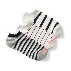 Gap Women Ankle Socks 3 Pairs ($8) ❤ liked on Polyvore featuring intimates, hosiery, socks, new off white, regular, tennis socks, short socks, ankle socks, reinforced toe socks and ribbed ankle socks