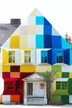 Ettore Sottsass: The Rainbow Connection