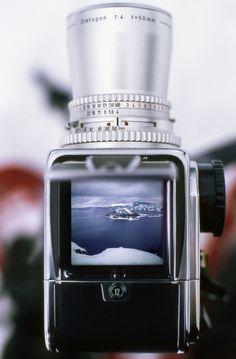 Con bellezas como esta que se quite todo lo digital. Una Hasselblad con una lente cromada 50mm