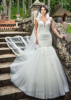 Model M02.16 Romanian Wedding, Maya Fashion, Designer Wedding Dresses, Dream Dress, Wedding Day, Elegant, Pune, Outfits, Collection