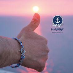 Sul sito www.marinerie.it scopri i nuovi bracciali dell'estate in argento con cordini nautici. Ancora, rosa dei venti, bussola, salvagente e timone sono i simboli dell'estate. #marinèrie #braccialenautico