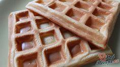 Vynikající křehké wafle ke snídani nebo jako dezert po vydatném obědě. My doma máme raději wafle jako palačinky, tak bych se s vámi chtěla podělit o nejlepší recept na waflovému těsto. Autor: Janulinka