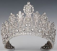 encyclopedia of royal and historic tiaras