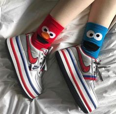 Whats your favorite childhood cartoon? Funny Socks, Cute Socks, My Socks, Mode Grunge, Crazy Socks, Happy Socks, Mode Inspiration, Sock Shoes, Me Too Shoes