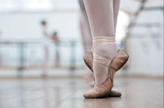 Find images and videos about dance, ballet and ballerina on We Heart It - the app to get lost in what you love. Ballet Dance, Ballet Shoes, Ballet Class, Rachel Berry, The Man From Uncle, Yuri Plisetsky, Princess Tutu, Natasha Romanoff, Phantom Of The Opera