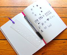 """Vrouwen gezondheid Stencil - Bullet Journal bladwijzer Stencil, past TN, Leuchtturm en Moleskine 1.9"""" door 6.9"""" door Moxiedori op Etsy https://www.etsy.com/nl/listing/399011699/vrouwen-gezondheid-stencil-bullet"""