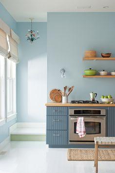Benjamin Moore Color Trends 2014 - Wall: mt. rainier gray 2129-60 Natura Eggshell, Cabinets: normandy 2129-40 Natura Semi-Gloss