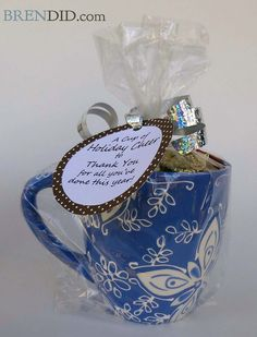 Easy teacher appreciation gift (with free printable) takes less than 5 minutes to assemble and costs less than $4.00!  Great for teacher aides, PE, Music, Art, school secretary, etc. BrenDid.com Labels saved in Documents as Holiday Cheer Mugs