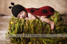 Crochet Costume - The Lady Bug Cape outfit for newborn baby - Great Photo Prop or Perfect Baby Shower Gift