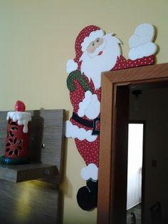 17 Dollar Store Holiday Hacks That'll Make You Say Grinch Christmas Decorations, Christmas Wood Crafts, Felt Christmas, Christmas Projects, Holiday Crafts, Christmas Holidays, Christmas Ornaments, Christmas Runner, Christmas Door