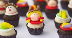 56 Doces para festa junina Desserts, Food, Country, Redneck Girl, Pastries, Party Candy, Dishes, Recipes, Paper Flowers