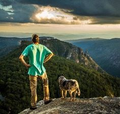 Hiking with your dog can be so much fun! Here are 5 Hiking Dogs to follow on Instagram!