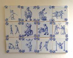 """12 Delft Blue tegels. Nederlandse kinderspelen. Charmante 2"""" miniatuur tegels w/Hangers. Nederland. Frans van het land. Oude primitieve boerderij"""