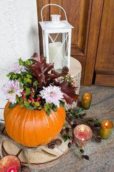 Pin by Carla payne on Autumn Pinterest Fall Decor, Pinterest Diy, Mason Jar Candle Holders, Mason Jar Candles, Halloween Decorations, Wedding Decorations, Table Decorations, Fall Crafts For Kids, Door Wreaths