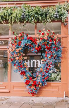 Our Early Hours London Spring floral installations across London at some of our favourite hot spots including Ivy Chelsea Garden, Sexy Fish plus more. Colorful Flowers, Spring Flowers, Beautiful Flowers, Flower Installation, Flower Wall, Event Decor, Floral Arrangements, Backdrops, Wedding Flowers