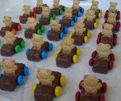 Teddy Grahams in candy bar minis for cars, with m's for wheels!