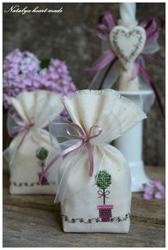 another nice finishing touch for a sachet pouch Cross Stitching, Cross Stitch Embroidery, Hand Embroidery, Lavender Bags, Lavender Sachets, Cross Stitch Designs, Cross Stitch Patterns, Fabric Crafts, Sewing Crafts