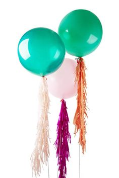 CUSTOM JUMBO WITH FRINGE, we have 21 colours to choose from for the fringe & 10 jumbo balloon colours. yay #poppiesforgrace